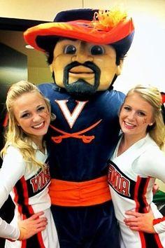 UVA Cheerleaders and Mascot