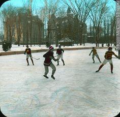 McGill, Montréal, QC,  1910, Hockey game,
