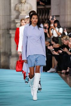 Off-White Spring/Summer 2017 Ready-To-Wear Collection | British Vogue