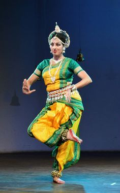 Divya music conducts indian classical dances such as kathkali odissi indian classical dancedance fandeluxe Gallery