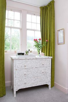 Mother of pearl inlay chest of drawers Graham & Green