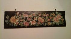 Decoupage con sfumature di colori ad olio su tavola di legno di castagno