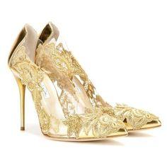 Oscar de la Renta Alyssa Embellished Transparent Pumps ❤ liked on Polyvore featuring shoes, pumps, oscar de la renta pumps, transparent shoes, oscar de la renta, see-through shoes and decorating shoes