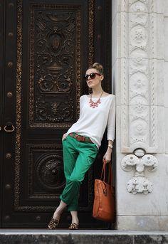 01-twoi-06-17-2013-gap-sweater-gap-khakis-sam-edelman-loafers-ralph-lauren-bag-asos-oversized-sunglasses-forever21-necklace-kenneth-cole-watch.jpg 550×800 pixels