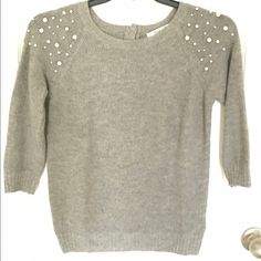 Forever 21, pearl sweater, size medium. Forever 21, grey sweater with pearl accents on the shoulders. Size Medium Sweaters Crew & Scoop Necks