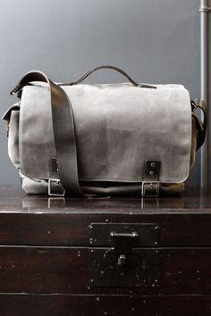Hudson Charcoal Wax Twill Messenger Bag by Ernest Alexander Fashion Bags, Mens Fashion, Messenger Bag Men, Dress For Success, Modern Man, Leather Men, Leather Jackets, Grey Leather, Canvas Leather