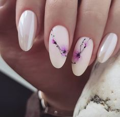 Classic nail art design cases you can try - Page 72 of 97 - Inspiration Diary Purple Nail Designs, Elegant Nail Designs, Creative Nail Designs, Elegant Nails, Classy Nails, Stylish Nails, Creative Nails, Yellow Nails, Pastel Nails