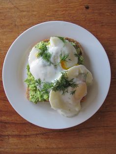 The Gorgeous Gourmet: Recipe : Healthy Eggs Benedict