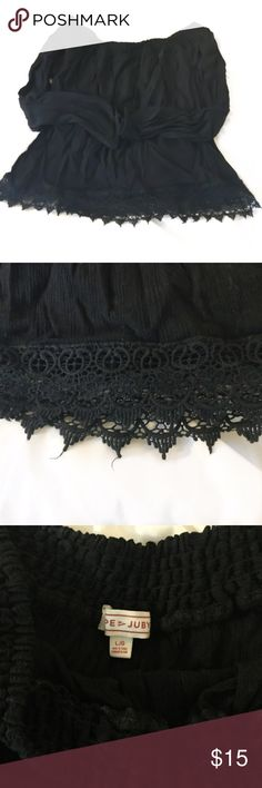 Black cropped top with lace trim A pretty, long sleeve top, black w lace trim. It's crinkled fabric, like the wrinkles are permanent. It's the style of the top. The top is a large but depending on how you plan on wearing it, it can also fit a size small or medium. For size large it will be a cropped style. For small or medium it should hang at the top of the waistline. Posh rules only, no lowball offers please, no PayPal. Happy Poshing! 🖤🖤🖤🖤🖤🖤🖤🖤🖤🖤 cape juby Tops Blouses
