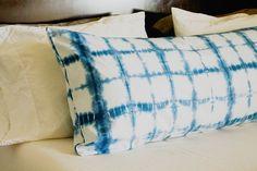 Shibori Trend: DIY Indigo Shibori Pillow -