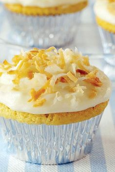 Coconut cakes are always showstoppers at family gatherings. Package all that delicious dessert flavor into a pint-sized liner for a single-serving Summer Dishes, Summer Desserts, Summer Recipes, Coconut Recipes, Baking Recipes, Cupcake Recipes, Dessert Recipes, Coconut Cupcakes, Thing 1