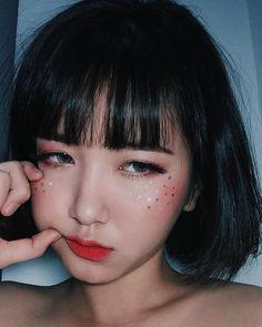"""ೃ✧such an incredibly gorgeous brown-eyed brunette along with her beautiful,,(""""Sexy Hot Bangs absolutely 👉 Beautiful"""")! Kawaii Makeup, Cute Makeup, Pretty Makeup, Beauty Makeup, Makeup Looks, Hair Makeup, Hair Beauty, Korean Eye Makeup, Asian Makeup"""