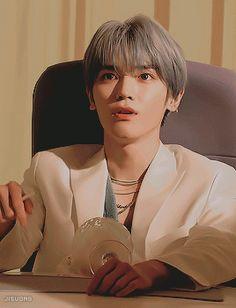 I wonder what made him look like this Lee Taeyong, Winwin, Jaehyun, Nct 127, Nct Life, Rap God, Favorite Cartoon Character, Kpop, Nct Dream