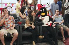 Notícias de última Hora: London Tipton está namorando um pinguim. London Tipton, Zack E Cody, Dylan And Cole, Brenda Song, Galo, Celebrity Outfits, Disney Channel, Songs, Celebrities