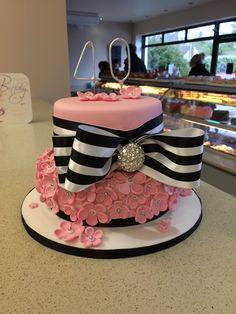 Another view to this lovely cake :-)