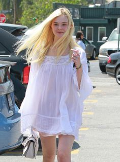 Elle Fanning Brunches With Her Parents