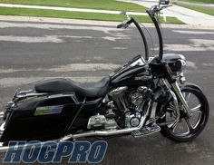 """2007 Roadking with 23"""" front and 18"""" rear black magic Lemans wheels"""