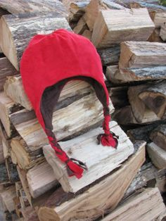 Just in time for the cold weather... free adorable fleece hat pattern in kids and adult sizes! www.sewcanshe.com