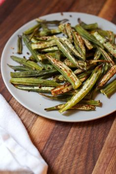 Oven Roasted Okra // an easy, healthy and delicious side dish!  Spiced with thyme and garlic.
