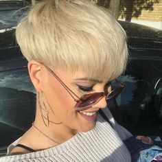 Sandra kurze Frisuren - frauen haar modelle - Hair and beauty - Short Wedge Hairstyles, Popular Short Hairstyles, Trendy Haircuts, Short Haircuts, Hairstyles 2018, Blonde Hairstyles, Pixie Hairstyles, Short Hair Cuts For Women, Short Hair Styles