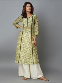 Simple Kurti Designs, Kurta Designs Women, Salwar Designs, Designs For Dresses, Dress Neck Designs, Blouse Designs, Simple Pakistani Dresses, Pakistani Dress Design, Kalamkari Dresses