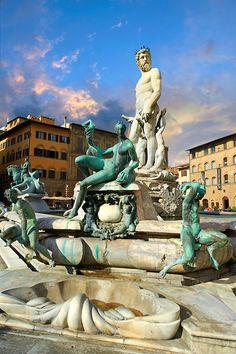 Fountain of Neptune by Bartolomeo Ammannati (1575), Piazza della Signoria in Florence, Italy,