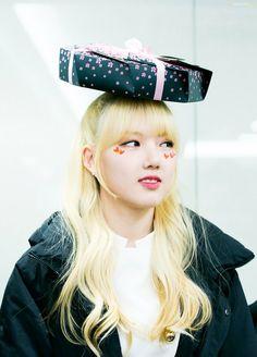 [Gfriend] at Fansign Jajajajjaja Extended Play, Kpop Girl Groups, Kpop Girls, Kim Ye Won, G Friend, Girl Bands, Ultra Violet, Rapper, Kpop Outfits