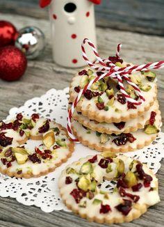 Cookies de pistachos y cereza confitada