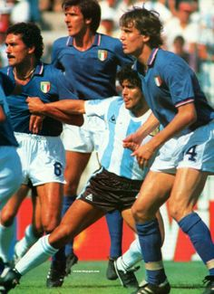Italy 2 Argentina 1 in 1982 at Sarria Stadium, Barcelona. Claudio Gentile makes sure Diego Maradona stays with him at the World Cup Finals in Spain Pure Football, Retro Football, Vintage Football, Football Soccer, Football Shirts, Soccer World, World Football, Football Stadiums, Soccer Drills