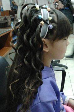 Peinado realizado por alumnas del Instituto KAR & NELL