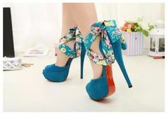 Zapatillas turquesa con flores <3