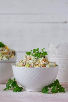 Limonkowy - blog kulinarny: SAŁATKA Z SURIMI, MAKARONEM RYŻOWYM I POREM Polish Recipes, Polish Food, Pita, Blog, Tableware, Dinnerware, Dishes, Blogging