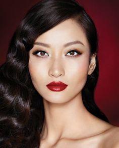 The Bombshell Makeup Look: Makeup Gift Sets Asian Makeup, Eye Makeup, Hair Makeup, Korean Makeup, Glam Makeup, Makeup Geek, Korean Skincare, Beauty Makeup, Bombshell Makeup