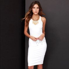 """Stunning white sleeveless Bodycon dress♥️ Stunning white sleeveless Bodycon dress♥️ made out of cotton and polyester materials. Knee length and o-neck line style❤️ MEASUREMENTS BUST: 32.6"""" LENGTH: 39"""" Dresses Midi"""