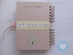 ¡Hola!   Un buen día Gisela me escribió que quería un diario de embarazo y yo de lo más contenta que le guste mi versión de un diario de ...