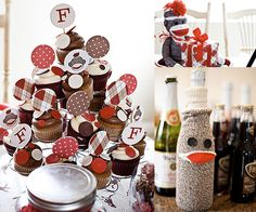 How about a funky monkey to add some fun to the boring old baby shower?  Take some notes from Karrie Pyke of the The Posh Blog's soiree!  She was thrown a festive fete to celebrate her son-to-be, Franklin, that centered around the sock monkey with a red,