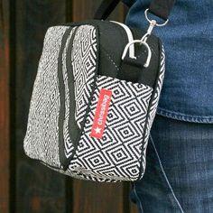 Schnittmuster für Umhängetaschen: Die Cambag Tessa - das angesagte Umhängetäschchen für das Nötigste. Cambag Tessa Large: Handtaschengröße.