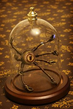 This piece is already sold but i'm currently making new ones , each are different. Check out more steampunk sculptures in my Etsy shop : www. Little Steampunk Robot in Glass Dome Chat Steampunk, Steampunk Kunst, Style Steampunk, Steampunk Gadgets, Steampunk House, Steampunk Cosplay, Steampunk Design, Steampunk Diy, Steampunk Fashion