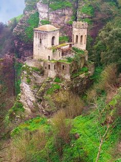 Torretta Pepoli in Erice, Sicily, Italy (by mporta). - See more at: http://visitheworld.tumblr.com/post/52560736835/torretta-pepoli-in-erice-sicily-italy-by#sthash.njUxfWhr.dpuf