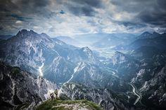 Eingeschichtsträchtiger Steig entlang eines Wasserfalls und ein Gipfelmit grandiosen Weit- und Tiefblicken auf den Gesäuse Nationalpark.