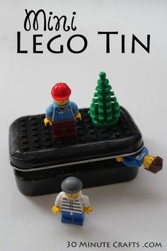 Altoid Tin Toys: Make a mini LEGO playset