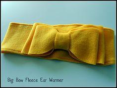 Big Bow Fleece No-Sew Ear Warmer Tutorial and Printable Template | Six Sisters' Stuff