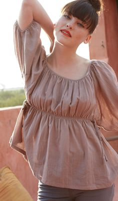 paysanne style blouse in soft cotton voile (plumo)