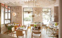 Mama Campo es un restaurante ecológico, colmado, cantina de tapas y espacio de alimentación infantil en el barrio de Chamberí. Mama Campo. Calle Trafalgar, 22.