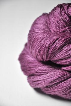 Withering bunch of roses OOAK - Merino/Silk/Cashmere Fine Lace Yarn | Dye For Wool
