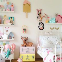 + This room is a explosion of happiness!!
