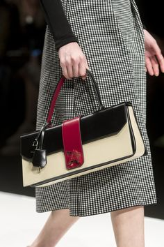 Anteprima at Milan Fashion Week Fall 2019 – Details Runway Photos Summer Trend Fall Handbags, Handbags On Sale, Luxury Handbags, Fashion Handbags, Purses And Handbags, Fashion Bags, Gucci Handbags, Fashion Accessories, Milan Fashion