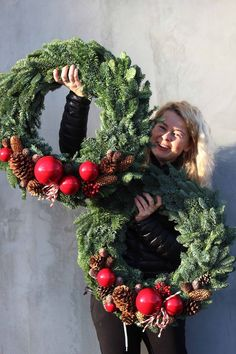 Christmas wreaths of natural materials . Christmas Love, Outdoor Christmas, Winter Christmas, Christmas Crafts, Christmas Door Decorations, Xmas Wreaths, Christmas Centerpieces, Wedding Wreaths, Deco Floral