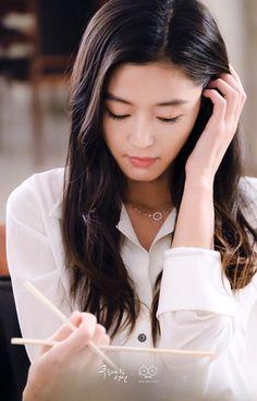 Jun Ji Hyun in The Legend of the Blue Sea Legend Of The Blue Sea Kdrama, Legend Of Blue Sea, Korean Actresses, Asian Actors, Korean Actors, Korean Dramas, Korean Beauty, Asian Beauty, Heo Joon Jae