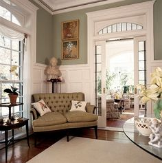 gorgeous millwork and architecture. Oh, the beauty of vintage homes!